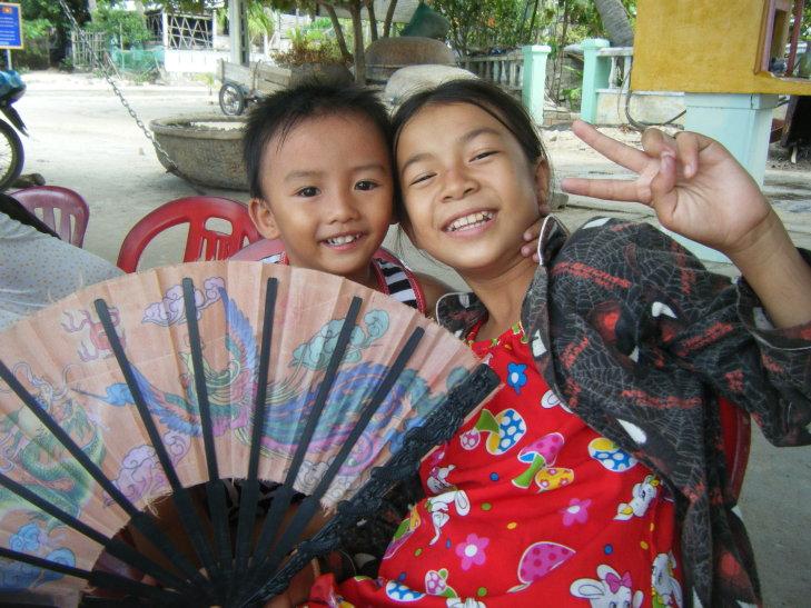 Cute kids on Cham island