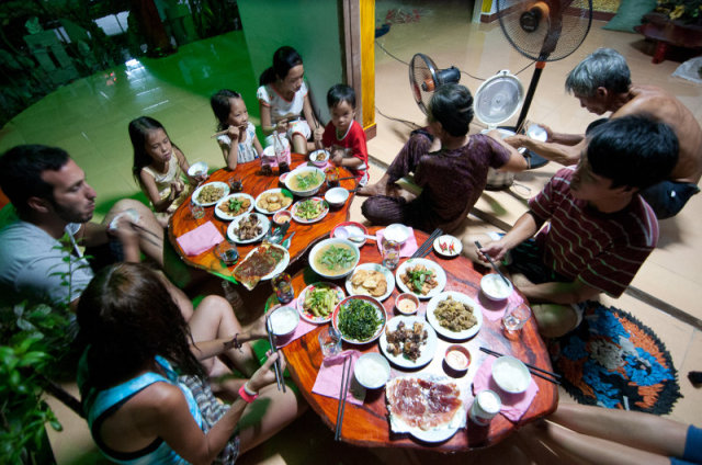 Family meal on Cham island