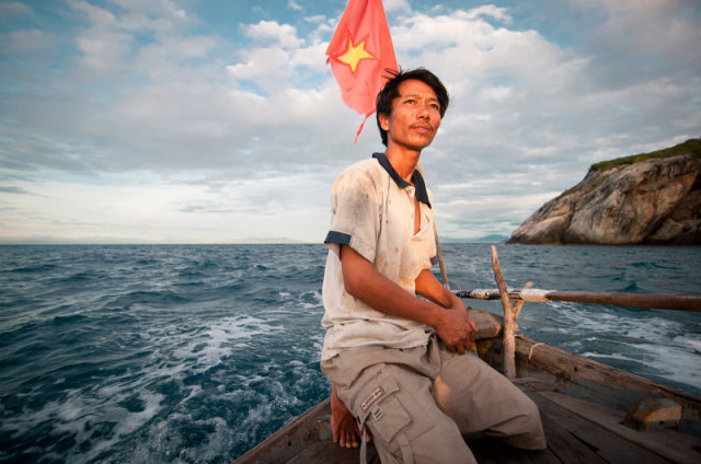 Life on Cham island with fisher man